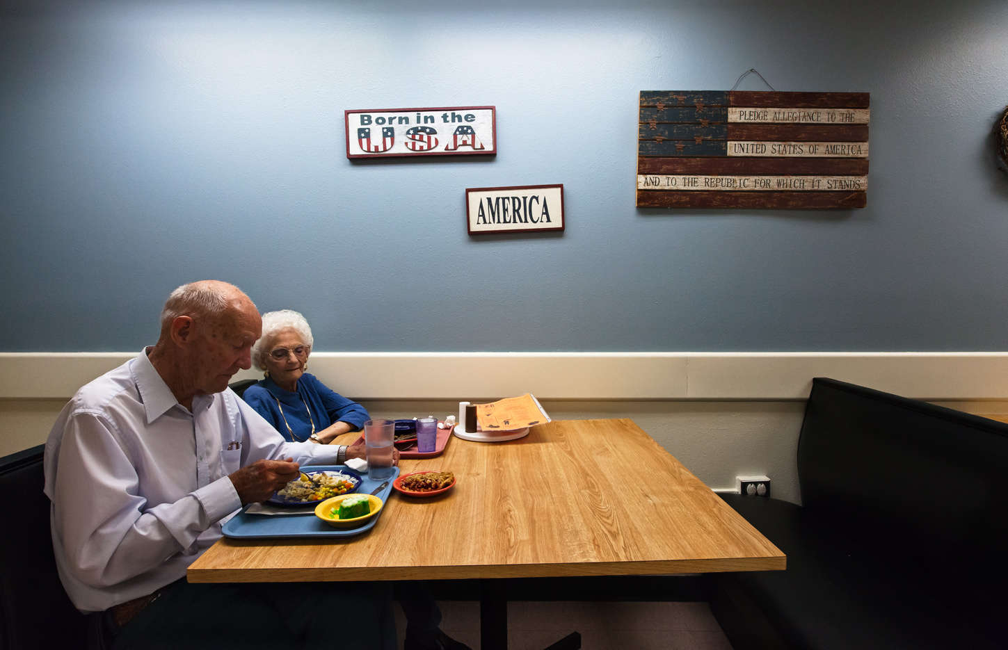 Lunch time with a lovely couple at the VA Center  Homelake, CO : Visiting Mom : NY - Portrait Photographer Video, Architectural, Corporate Editorial Location Photography