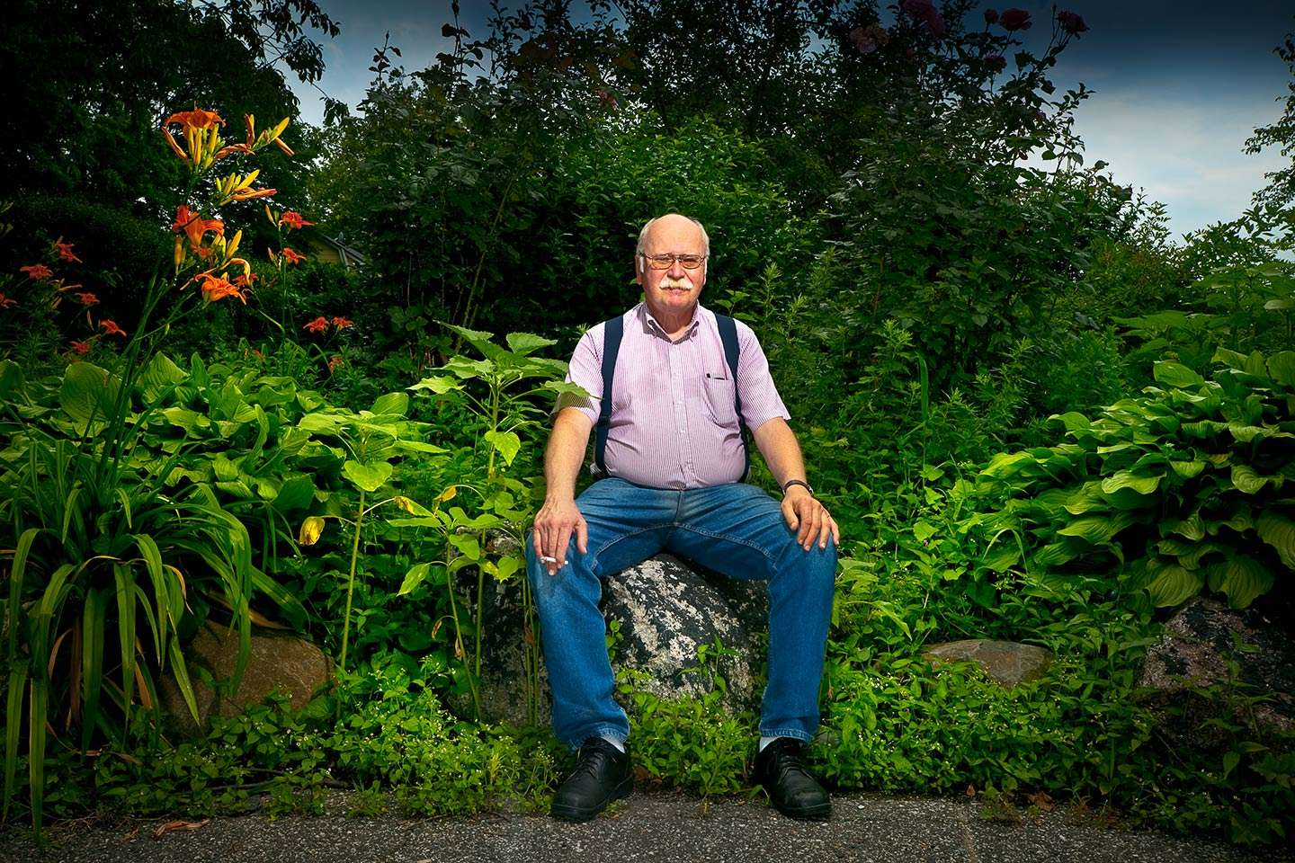 Organic farming in the Bronx.  Bissel Gardens is 5 city blocks converted into organic farming feeding individuals, low income, and homeless shelters.  Russ Lecount is one  of the founders and organizers. : Portraits : NY - Portrait Photographer Video, Architectural, Corporate Editorial Location Photography